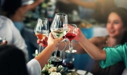 Russians began to order less in restaurants average check size decreased by